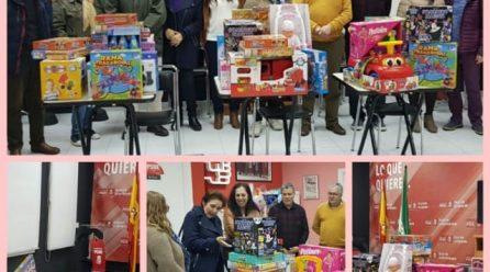 """entrega de juguetes de la 2ª cena solidaria """"ninguna niña y ningún niño sin juguete"""""""
